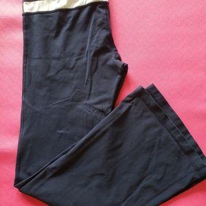 Lululemon, size 8, navy, flared pants